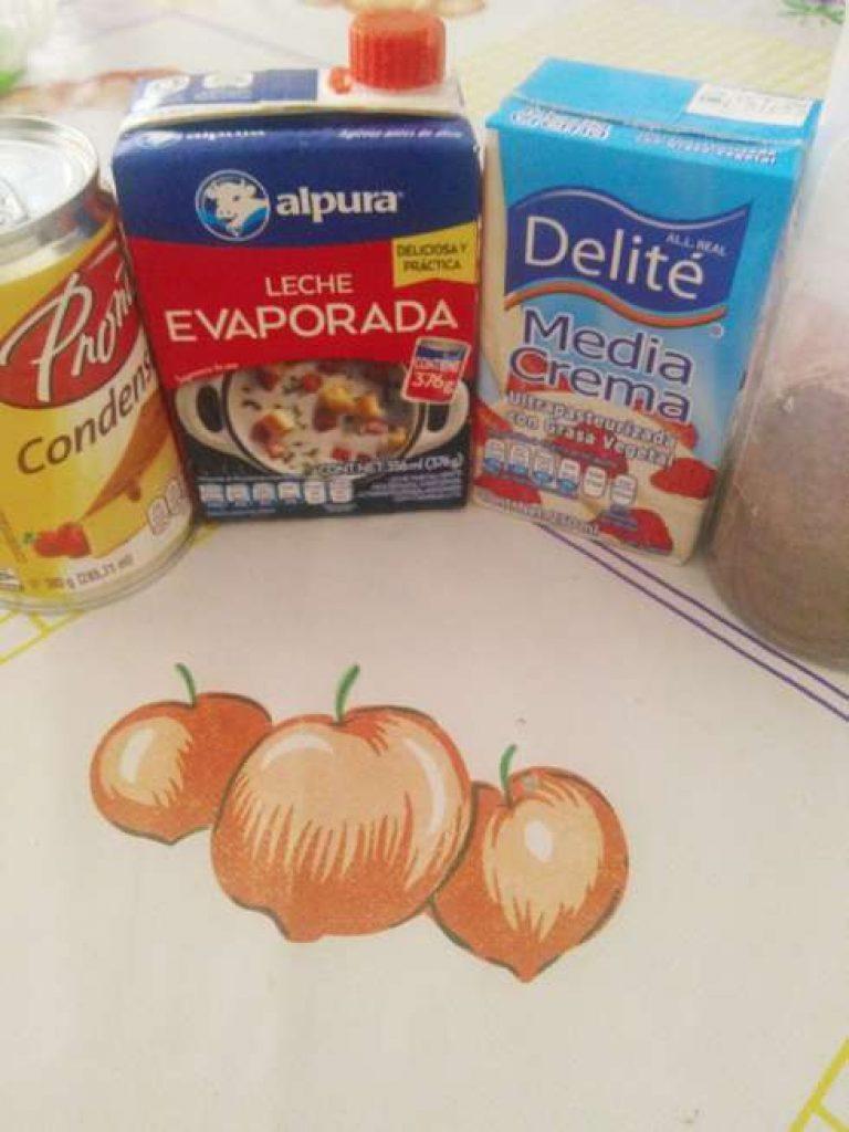 Ingredientes para la gelatina de 3 leches