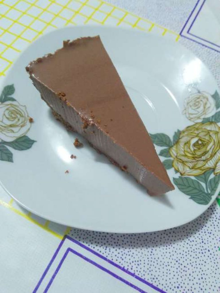 Rebanada de cheese cake de chocolate